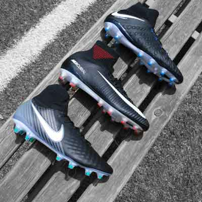Botas y zapatillas de fútbol Nike Pitch Dark