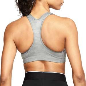 Sujetador deportivo Nike Swoosh sin relleno - Top deportivo Nike de mujer para fútbol - gris