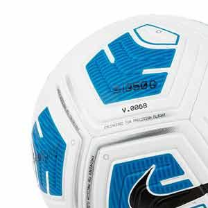 Balón Nike Strike Team 350g talla 4 - Balón de fútbol para niño en talla 4 con peso reducido - blanco y azul turquesa - detalle