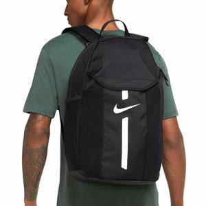 Mochila Nike Academy Team - Mochila de deporte Nike (48x35x17 cm) - negra - detalle modelo