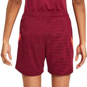 Short Nike Liverpool entreno mujer Dri-Fit Strike - Pantalón corto de entrenamiento para mujer Nike del Liverpool FC - granate - trasera