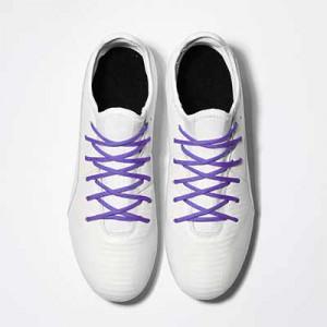 Cordones futbolmania extrafinos - Cordones extrafinos para botas de fútbol ligeras y botas de fútbol altas (4 mm ancho x 1,4 mm de grosor) - lilas - aplicacion
