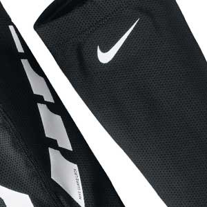 Fundas sujeta espinilleras Nike Guard Lock Elite - Mangas compresivas para sujeción de espinilleras Nike - Negro - frontal
