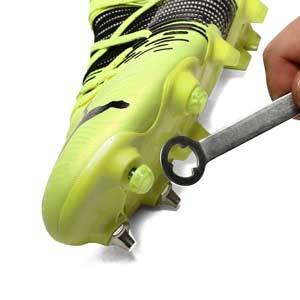 Taco goma Studiamonds TPU 6 mm - 1 ud de taco de goma delantero de repuesto para botas Nike, Puma, New Balance,... de 6 mm - amarillo flúor - detalle llave