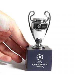 Mini Copa con pedestal Champions League - Figura réplica con pedestal copa UEFA Champions League 70 mm - plateada - frontal