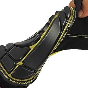 G-Form Pro-S Elite - Espinilleras de fútbol G-Form con mallas de sujeción - negras - detalle