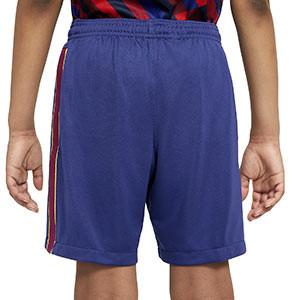 Short Nike Barcelona niño Stadium 2020 2021 - Pantalón corto infantil Nike primera equipación FC Barcelona 2020 2021 - azul - trasera modelo