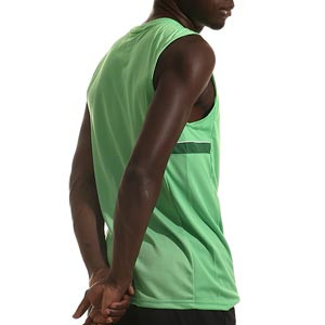 Camiseta tirantes Nike Dri-Fit Academy 21 - Camiseta sin mangas de entrenamiento de fútbol Nike - verde - trasera