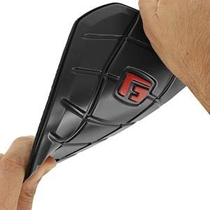 G-Form Pro-S Blade - Espinilleras de fútbol G-Form con mallas de sujeción - negras - detalle