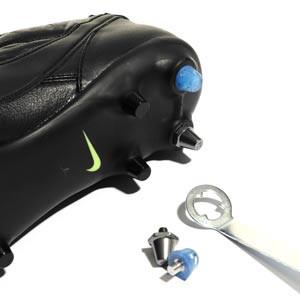 1x taco goma TPU 9mm botas fútbol estándar Studiamonds azul - 1 ud de taco de goma trasero de repuesto para botas Nike, Puma, New Balance,... de 9 mm - azul traslúcido - detalle