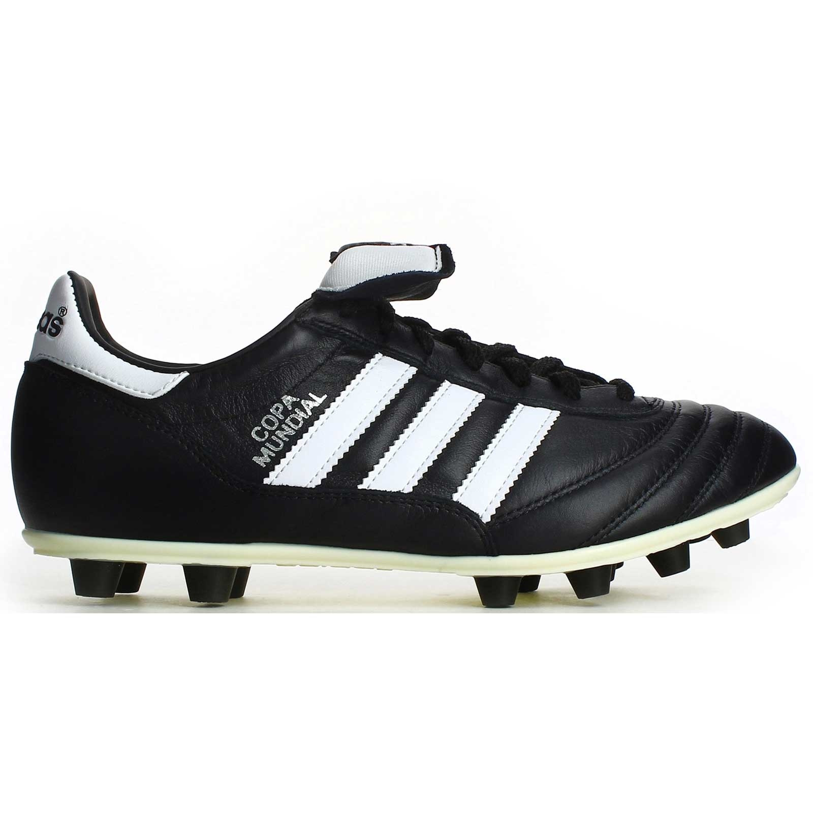 newest collection f6d10 52734  0 1 015110a imagen-de-las-botas-de-futbol. • Sobrio diseño en color negro  ...