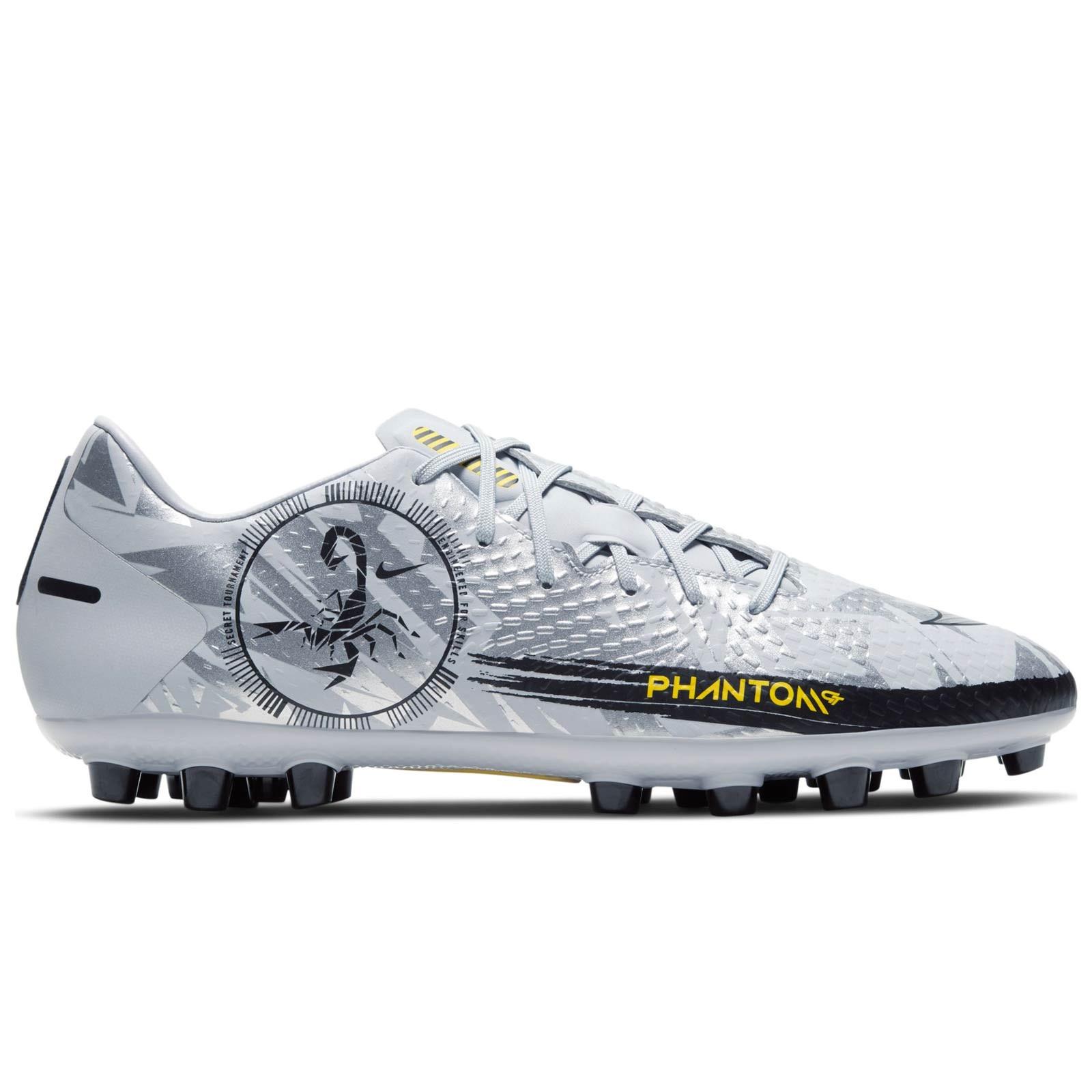 Fuerza Salida En consecuencia  Botas Nike Phantom GT Academy SE AG plateadas | futbolmania