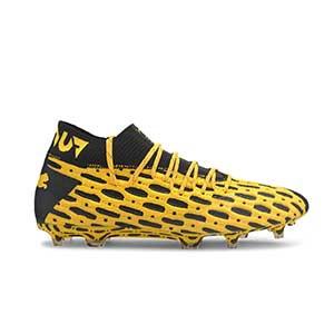 Puma Future 5.1 FG/AG - Botas fútbol Puma FG/AG césped natural o artificial - amarillas y negras - pie derecho