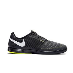 Nike Lunar Gato 2 - Zapatillas de fútbol sala Nike Lunar Gato FC247 - negras - pie derecho