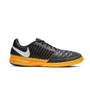 Nike Lunar Gato 2 - Zapatillas de fútbol sala Nike Lunar Gato FC247 - negras y naranjas - derecho