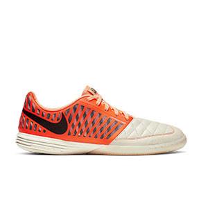 Nike Lunar Gato II - Zapatillas de fútbol sala Nike LunarGato FC247 - naranjas y blancas - pie derecho