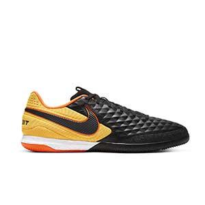 Nike Tiempo React Legend 8 Pro IC - Zapatillas de fútbol sala de piel Nike con suela lisa IC - negras y naranjas - pie derecho