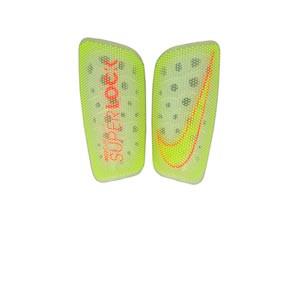 Espinilleras Nike Mercurial Lite Superlock - Espinilleras de fútbol Nike con mallas de sujeción - amarillas