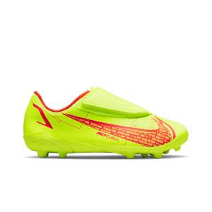 Nike Mercurial Jr Vapor 14 Club MG PS V - Botas de fútbol infantiles con velcro Nike MG para césped natural o artificial -amarillas flúor, rojas