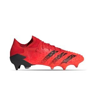 adidas Predator FREAK .1 Low SG - Botas de fútbol adidas FG para césped natural húmedo - rojas