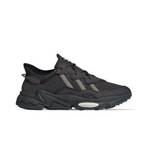 adidas Ozweego - Zapatillas deportivas adidas para calle - negras - pie derecho