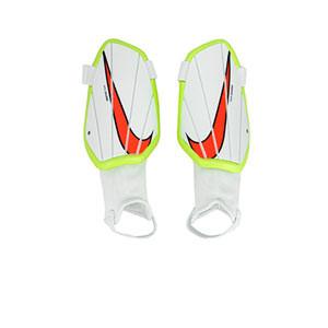 Nike Charge niño - Espinilleras de fútbol infantiles Nike con tobillera protectora - blancas
