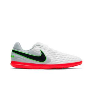 Nike Tiempo Legend 8 Club IC - Zapatillas de fútbol sala Nike con suela lisa IC - blancas y grises - pie derecho