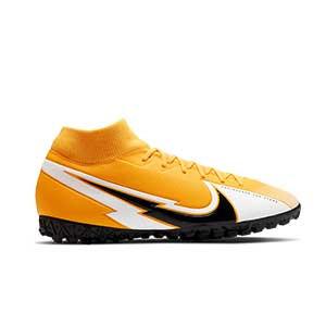 Nike Mercurial Superfly 7 Academy TF - Zapatillas multitaco con tobillera Nike suela turf - amarillo anaranjado - pie derecho