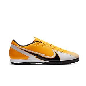 Nike Mercurial Vapor 13 Academy IC - Zapatillas fútbol sala Nike suela lisa IC - amarillo anaranjado - pie derecho
