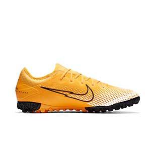Nike Mercurial Vapor 13 Pro TF - Zapatillas multitaco Nike suela turf - amarillo anaranjado - pie derecho