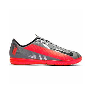 Nike Mercurial Vapor 13 Academy IC Jr - Zapatillas fútbol sala infantiles Nike suela lisa IC - plateadas y rosas - derecho