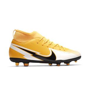 Nike Mercurial Superfly 7 Club FG/MG Jr - Botas de fútbol infantiles con tobillera Nike MG para césped artificial - amarillo anaranjado - pie derecho