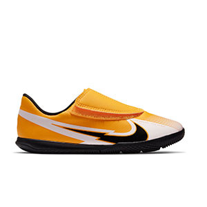 Nike Mercurial Vapor 13 Club IC PS velcro Jr - Zapatillas fútbol sala infantiles con velcro Nike suela lisa IC - amarillo anaranjado - pie derecho