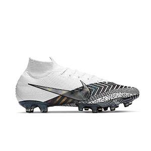 Nike Mercurial Superfly 7 Elite MDS AG-PRO - Botas de fútbol con tobillera Nike AG-PRO para césped artificial - blancas y negras - pie derecho