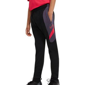 Pantalón Nike niño Dry Academy - Pantalón largo de entrenamiento infantil Nike - negro, morado oscuro, rojo - frontal