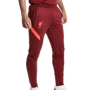 Pantalón Nike Liverpool entrenamiento Dri-Fit Strike - Pantalón largo de entrenamiento Nike del Liverpool FC - granate - frontal