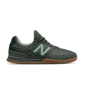 New Balance Audazo v4 Pro Leather IN - Zapatillas de fútbol sala de piel de canguro New Balance suela lisa IN - verde oscuras - derecha