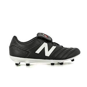 New Balance Classic 442 V1 - Botas de fútbol de piel de canguro New Balance FG para césped natural o artificial de ultima generación - negras - derecho