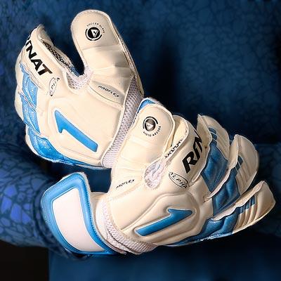 Nuevos guantes Rinat