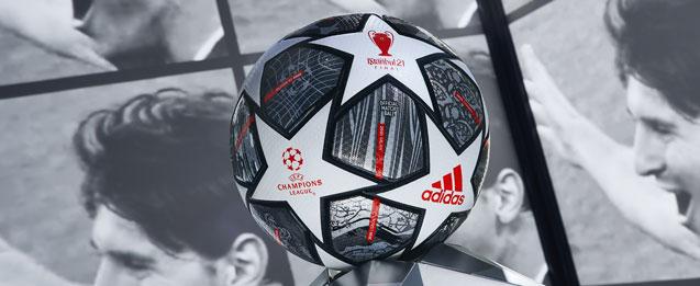 balon final champions color negro y blanco con detalles color rojo