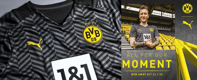 Jugadores del Borussia Dortmund con la camiseta de la segunda equipación Borussia temporada 2021 2022.