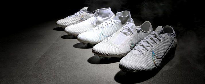 Todas las botas fútbol Nike están aquí, incluyendo la nueva colección de botas de fútbol Nike Nuovo White
