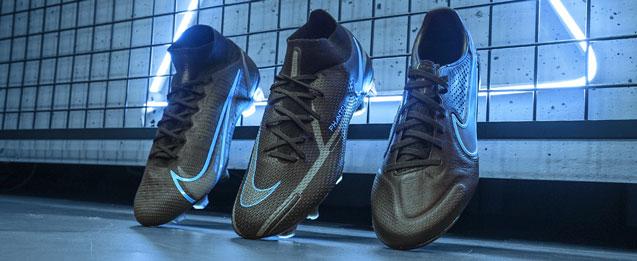 botas de fútbol Nike color negras colección Black pack
