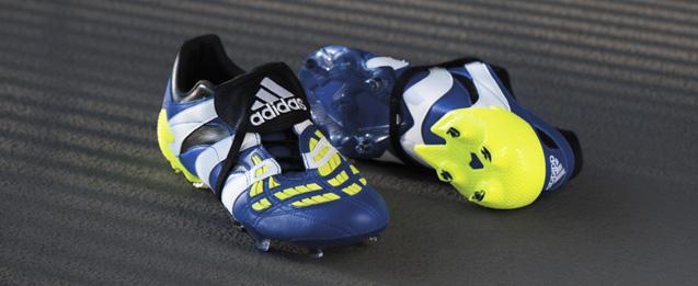 Bota de fútbol adidas Predator Accelerator FG color azul y amarillo.