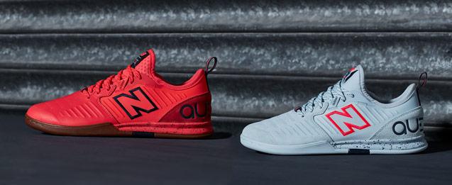 2 Zapatillas fútbol sala New Balance color roja y color blanca.