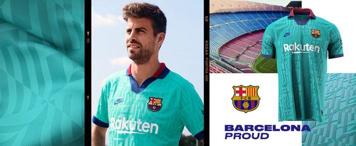 Encuentra todas las equipaciones del Barcelona, entre ellas la tercera equipación oficial infantil 2020, lo encuentras en futbolmaniakids.