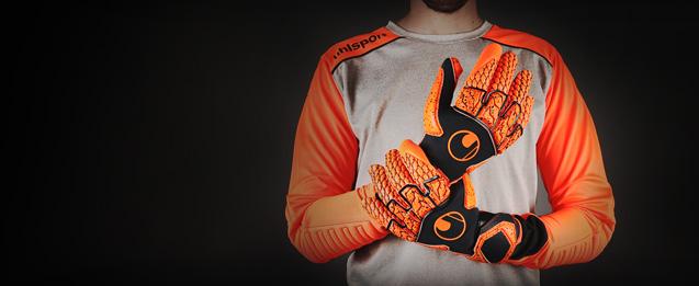 Todos los guantes de portero Uhslport y sus nuevos modelos los tienes en futbolmania