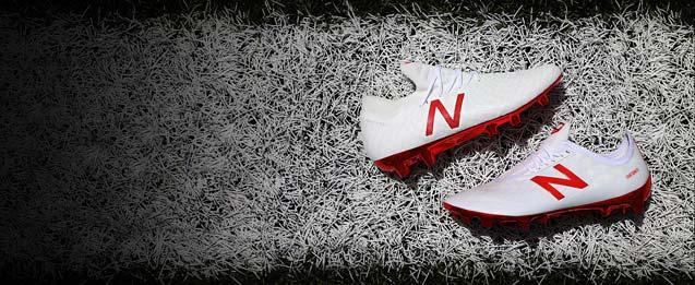 Nuevas botas de fútbol New Balance blancas
