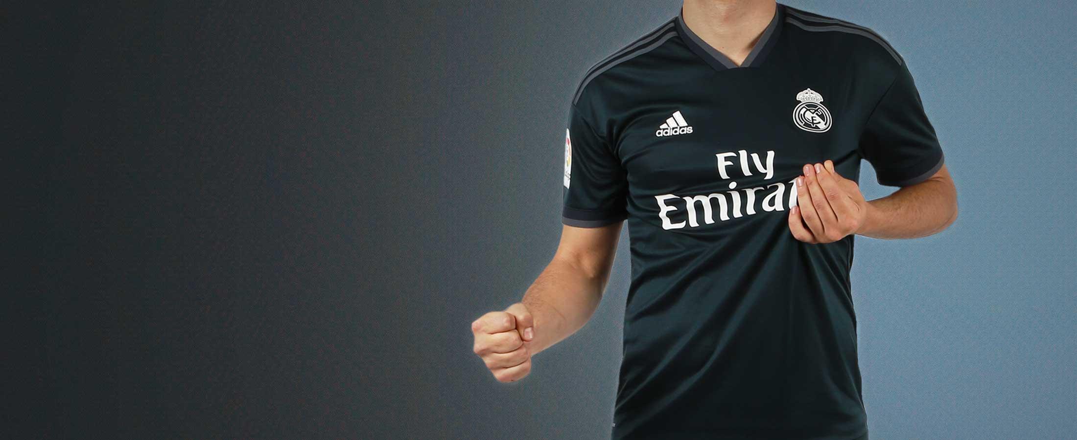 Segunda equipación oficial del Real Madrid