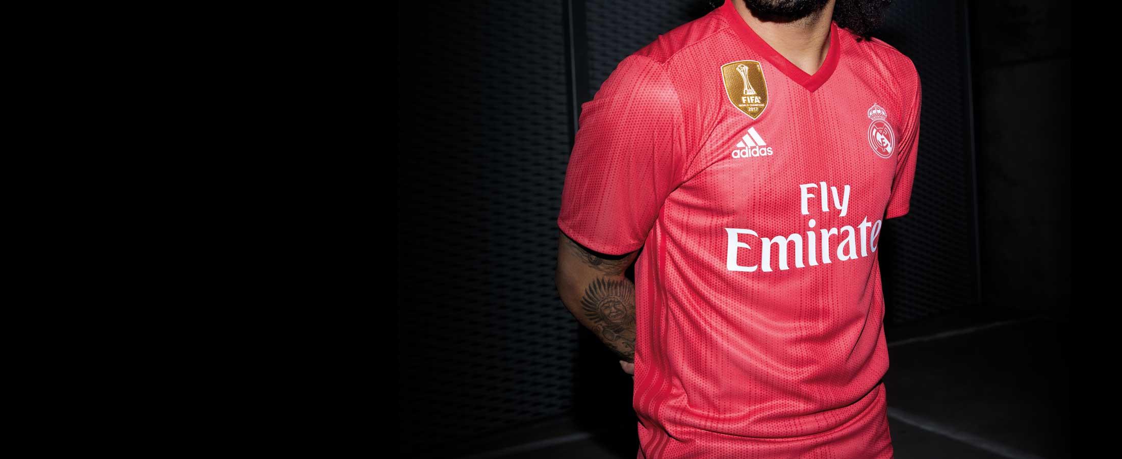 Tercera equipación oficial del Real Madrid
